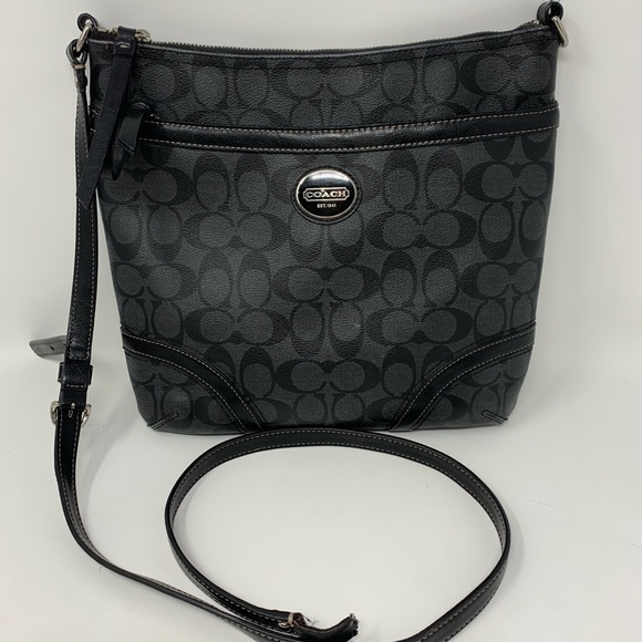 Coach peyton crossbody bag
